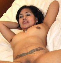 Angie, sexy Filipina - escort in London