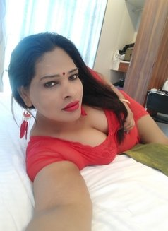 Anjali Trans - Transsexual escort in Mumbai Photo 9 of 13