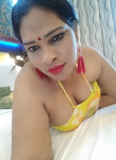 Anjali Trans - Transsexual escort in Mumbai Photo 10 of 13