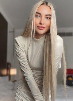 Anna Beautiful - escort in Dubai Photo 3 of 14