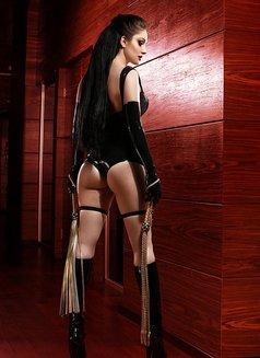 Anna Mistress in Latex - dominatrix in Paris Photo 14 of 23