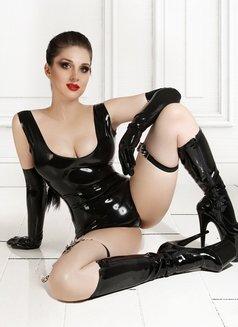 Anna Mistress in Latex - dominatrix in Paris Photo 21 of 23
