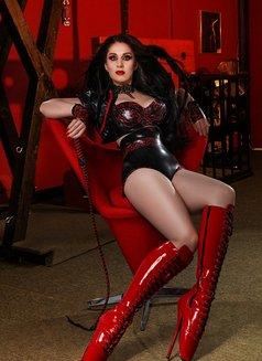 Anna Mistress in Latex - dominatrix in Paris Photo 5 of 23