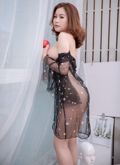 Anna - escort in Dubai Photo 8 of 22