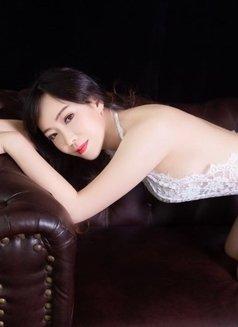Anna - escort in Shanghai Photo 4 of 9