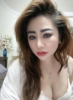 Annasweet - escort in Abu Dhabi Photo 2 of 12
