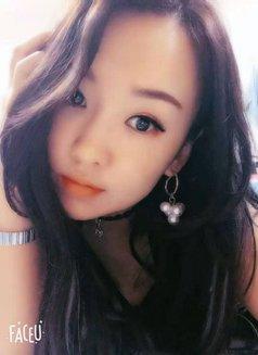Annie - escort in Hangzhou Photo 3 of 5