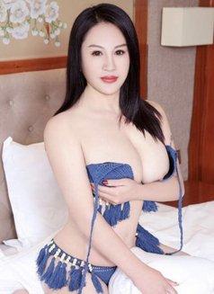 Annie Korea Girl - escort in Kuwait Photo 1 of 7
