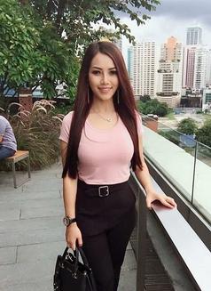 Annie Rosa - escort in Bangkok Photo 1 of 5
