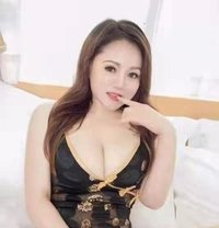 Hayley provides 24-hour service - escort in Khobar Photo 1 of 6