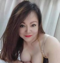 Hayley provides a full range of services - escort in Khobar Photo 1 of 6