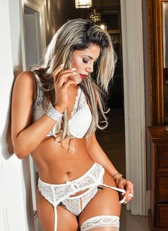 Antonella Andrade - escort in London Photo 9 of 11