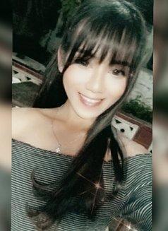 Arriane - Transsexual escort in Manila Photo 6 of 15