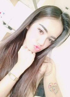 Arriane - Transsexual escort in Manila Photo 3 of 15
