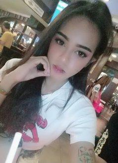 Arriane - Transsexual escort in Manila Photo 5 of 15