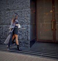 Asian Dominatrix Caittrin Lee - dominatrix in Melbourne