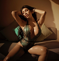 Asian Sex Bomb Nabamby ✔ - escort in Dubai