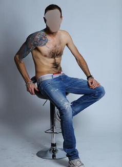 Axel - Male escort in Madrid Photo 3 of 7