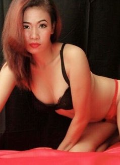 Aya - escort in Makati City Photo 1 of 4