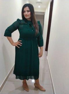 Ayesha Busty Milf - escort in Abu Dhabi Photo 1 of 3