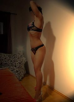 Ayla - escort in İstanbul Photo 3 of 5