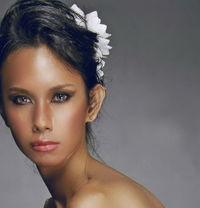 Bangkok Premium Escort - Transsexual escort agency in Bangkok Photo 1 of 9