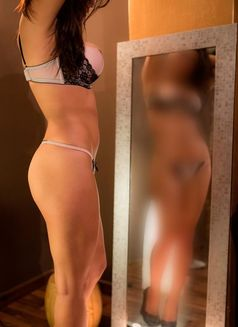 Banu - escort in İstanbul Photo 9 of 15