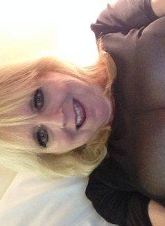 Barbara Sinclaire - escort in London Photo 1 of 2