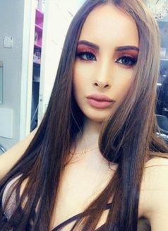 Barbie Girl Very Soft Girl بنت رقيقة جدا - escort in İstanbul Photo 10 of 11