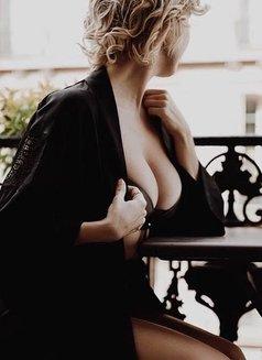 escort pornstar paris polish sex massage