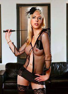 NEW SEXY Estefania 24Cm - Transsexual escort in Dubai Photo 2 of 7