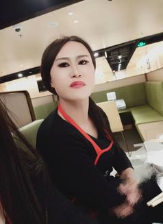 Beijineg - Transsexual escort in Beijing Photo 4 of 7