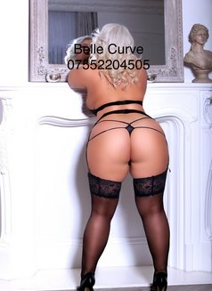Belle Curve - escort in London Photo 2 of 7