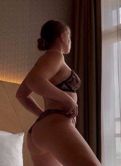 Bianca Perla - escort in The Hague Photo 5 of 6