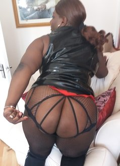 Tel Aviv Black Mistress Darkness - dominatrix in Tel Aviv Photo 2 of 19