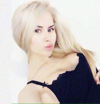 Blond Erotic Massage in Dubai - masseuse in Dubai