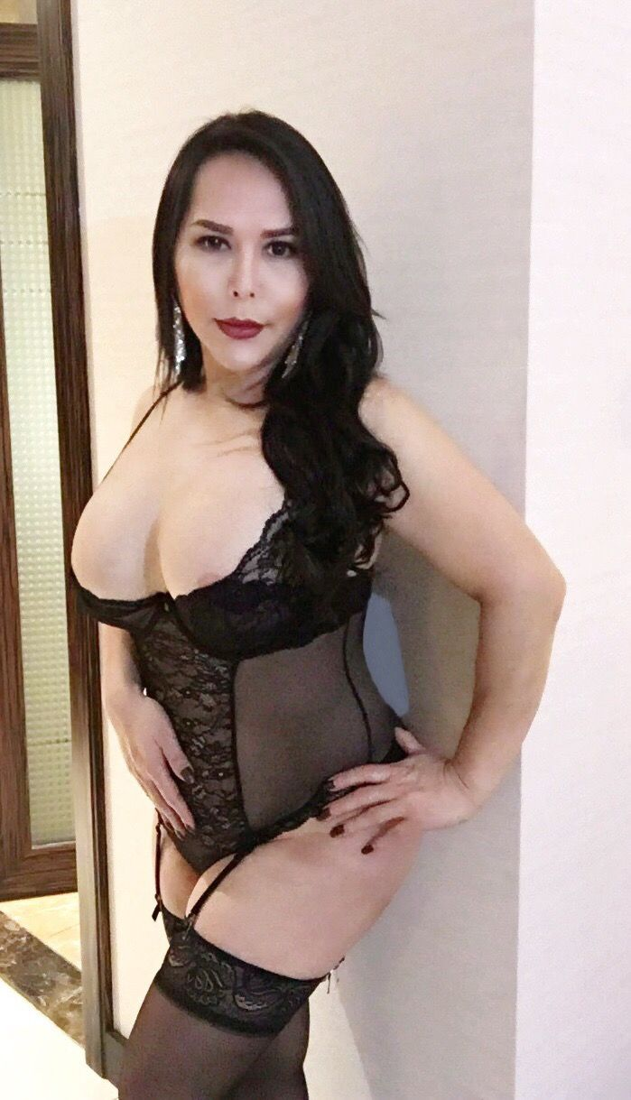 escort paris asian shemale escort philippines
