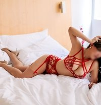 Brigitte Knight (HK: 30 Sep- 6 Oct) - escort in Singapore Photo 6 of 9