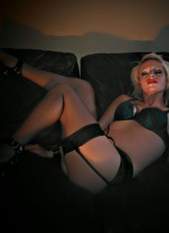 Britbritmccoy - escort in Grande Prairie Photo 15 of 22