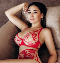 BUSTY MIA A-LEVEL - escort in Al Manama