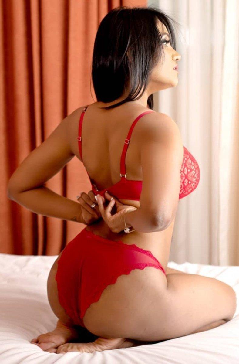 Escort reenu south indian, hot girl in abu dhabi