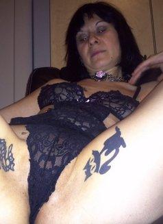 Callgilsex - escort in Montreal Photo 4 of 10