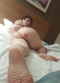 Callgirl - escort in Toronto Photo 3 of 8