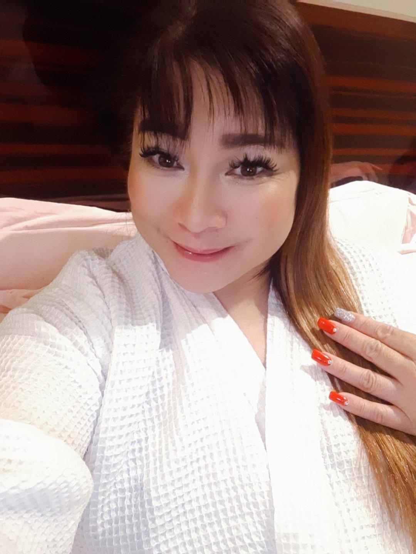 CAMSHOW SEXY FILIPINA MILF JOY, Filipino escort in Bangalore