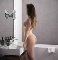 Candice - escort in Sydney