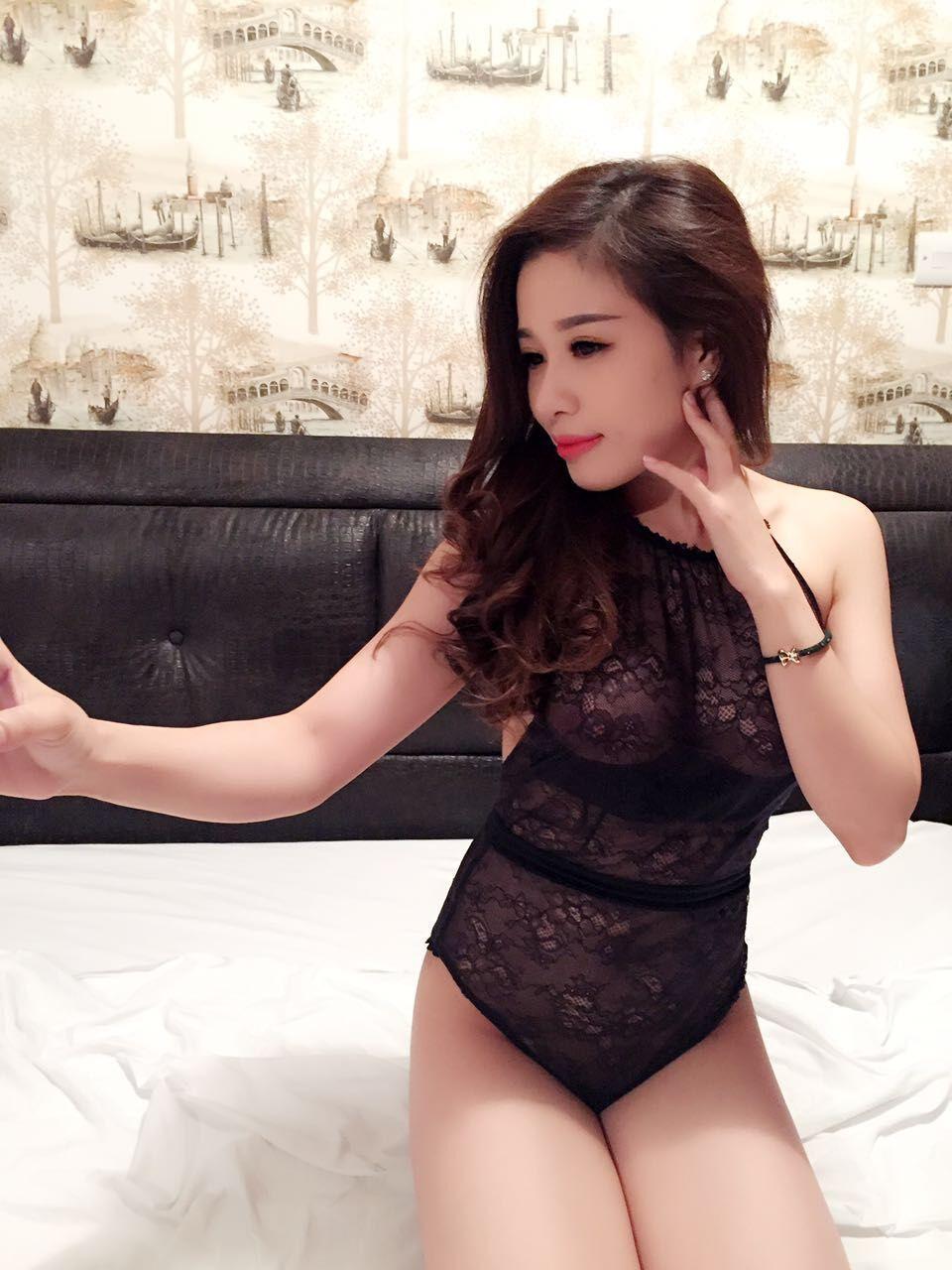 dress vietnam girl escort