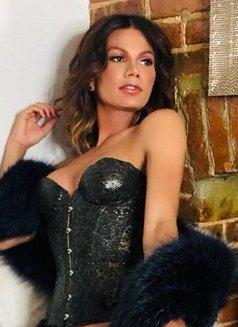 Carlotta Del Valle - Transsexual escort in Dubai Photo 5 of 18