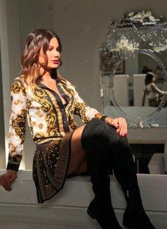 Carlotta Del Valle - Transsexual escort in Dubai Photo 9 of 18