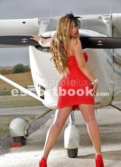 Carole - escort in Lyon Photo 2 of 6