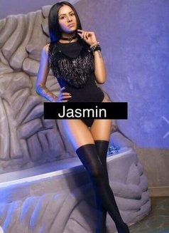 Jasmin - escort in Bucharest Photo 2 of 6